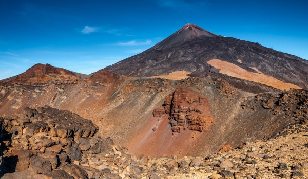 krater Pico Viejo na zboczu Teide